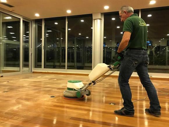 limpezas EM CHÃO DE MADEIRA Floorclean